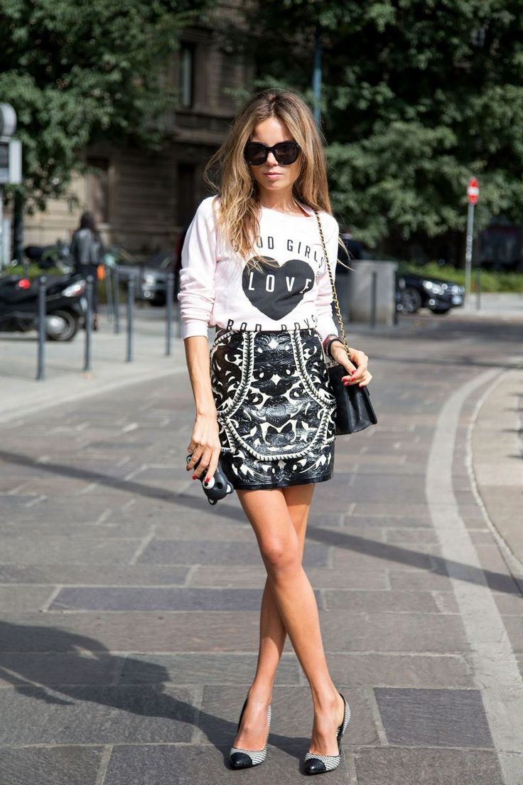 Street Style Trend: Graphic t-shirts and printed skirts. Love this look!