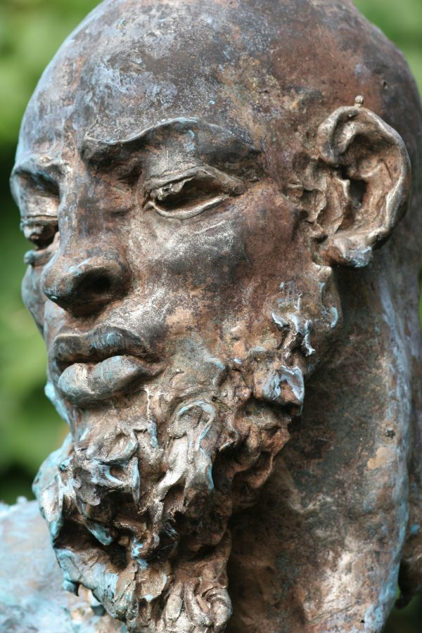 sculpture silence portaitbronze by sculptor rogier ruys in portrait