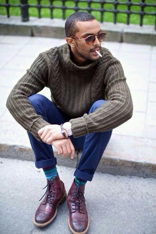 2015-01-07のファッションスナップ。着用アイテム・キーワードはカントリーブーツ, サングラス, チノパン, ニット・セーター, ブーツ,etc. 理想の着こなし・コーディネートがきっとここに。| No:82546