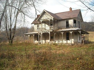 Abandoned house in Lee County, VA