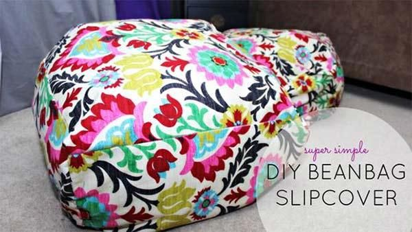 Slip Cover for Bean Bag Chair - Need some inexpensive moveable seating for guests when you entertain? Here's an easy solution -- slipcovers for cheap beanbag chairs: http://livewelln.co/1a5OPuq #DIY #DIYProject #HomeDecor