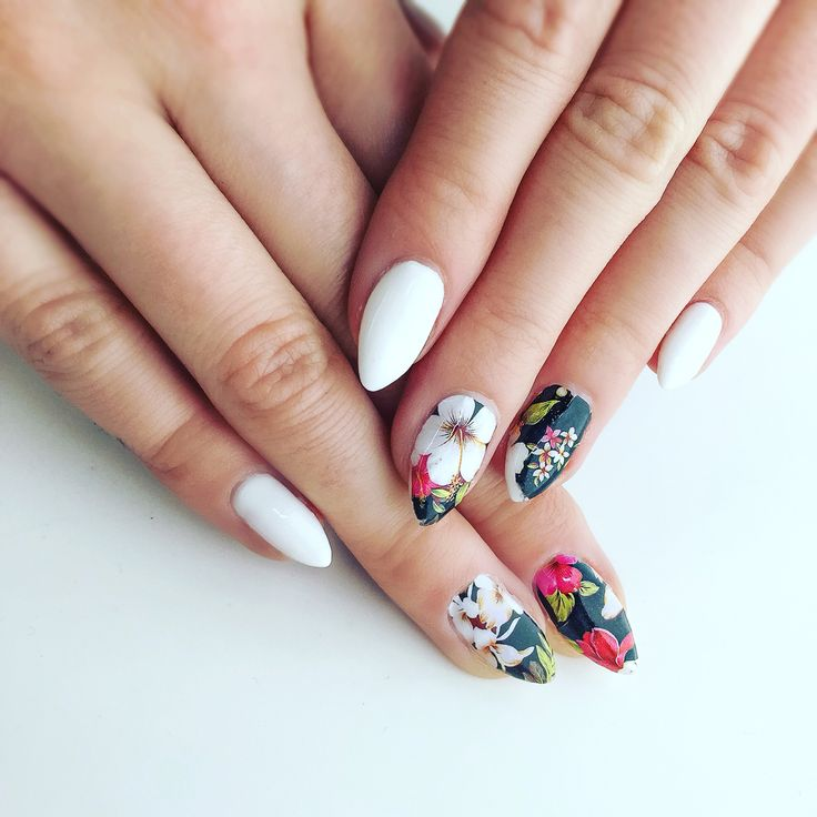 Spring nails #nails #flowers #springnails #hybridnails #semilac