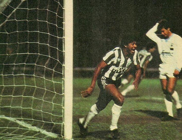 O timaço Coxa que em 1986, enfiou 3×0 no Pinheiros, na decisão do Campeonato Paranaense daquele ano. O jogo ocorreu no dia 20 de agosto de 86.