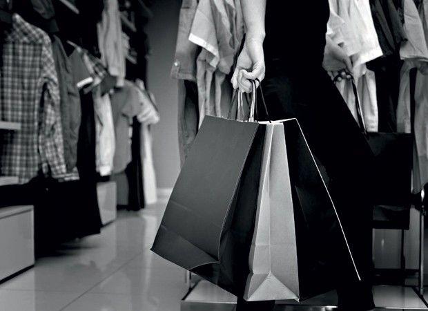 Controle o vício do consumo (Foto: Thinkstock) http://epocanegocios.globo.com/Inspiracao/Vida/noticia/2015/01/controle-o-vicio-do-consumo.html