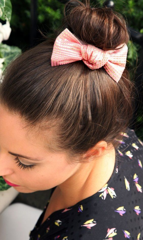 32 Adorable Hairstyles With Bows Bow Hairstyle Hair Styles Cute Hairstyles Updos