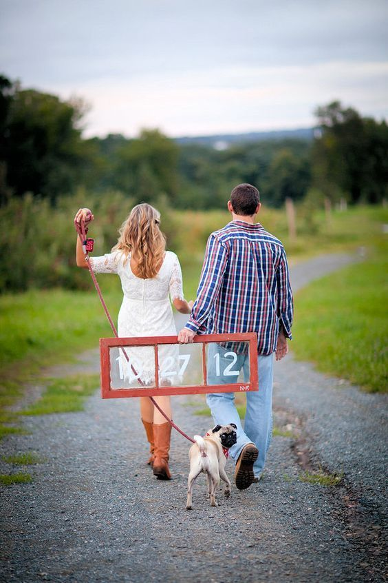 Enagement Photos with Pets / http://www.himisspuff.com/engagement-photos-with-pets-that-will-melt-your-heart/4/