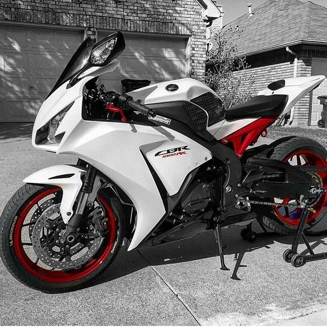 Cbr1000rr Mascunanabear: 352 Best Fireblade Images On Pinterest