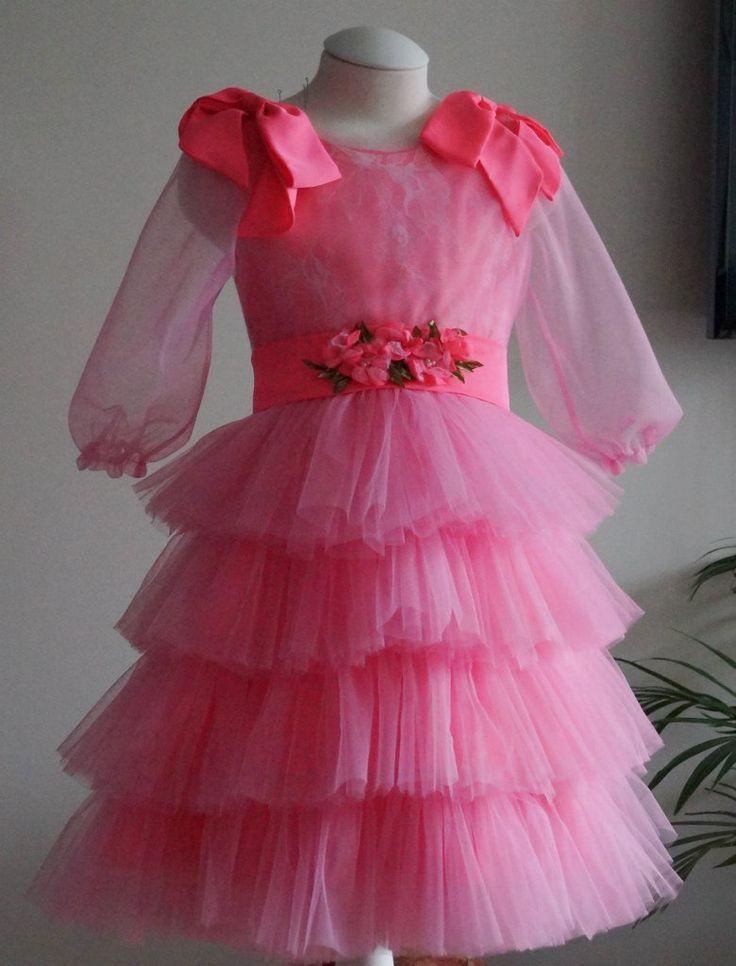 Евро фламинго Комплект платье, бантики-цветочки-ободочки, блузон для малышки-принцессы на празднование третьего дня рождения. Оборки на юбке в три слоя, расход ~4 метра https://vk.com/wall-47962129_77673