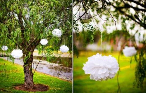 decoracion exterior con pompones
