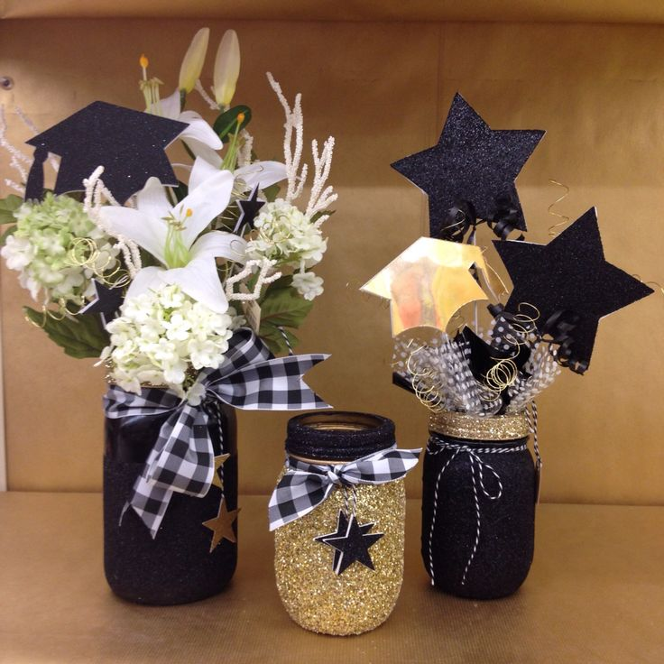 Graduation centerpiece glittered black and gold masonjar for Graduation decorations