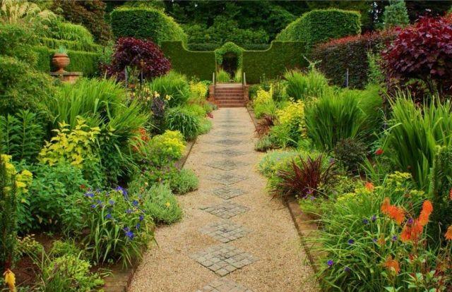 die besten 25 heckenpflanzen ideen auf pinterest vorgarten hecken hecken und terrasse bepflanzen. Black Bedroom Furniture Sets. Home Design Ideas