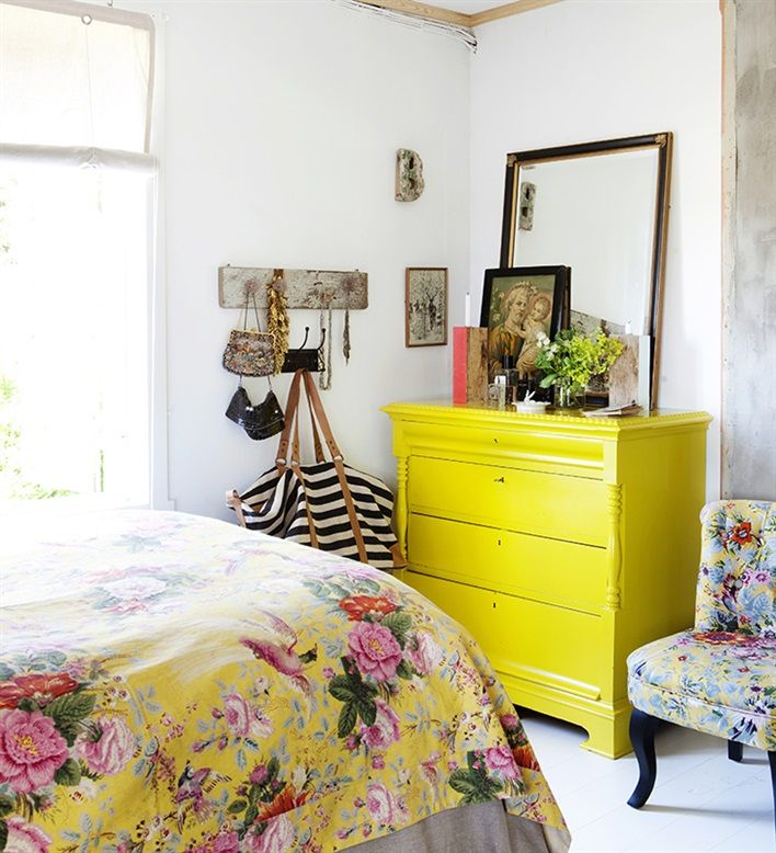 Main Bedroom Decor Yellow Bedroom Color Schemes Black And White Wallpaper Bedroom Ideas Tiny Bedroom Design Ideas: 25+ Best Yellow Bedrooms Ideas On Pinterest