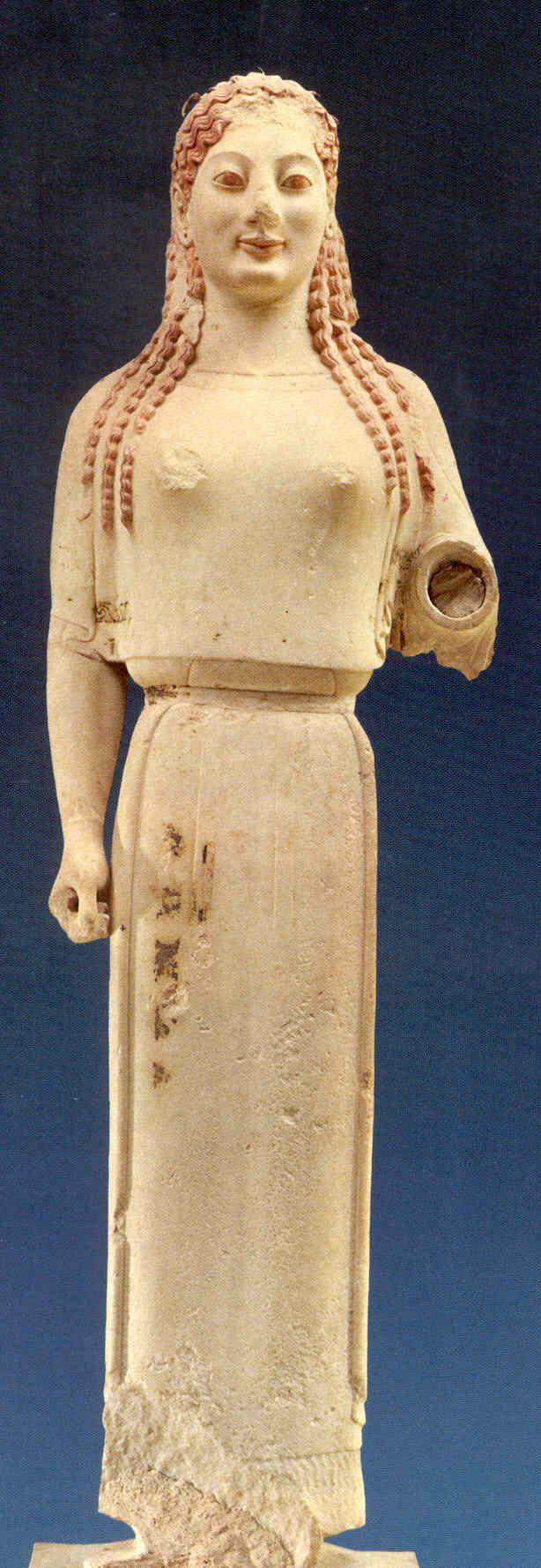 La grecia arcaica se era básica, túnica y chal; enmarcaban el cuerpo.