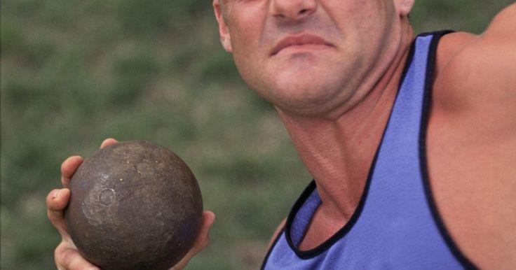 La composición de una bola de lanzamiento de peso. El lanzamiento de peso es un evento de pista y campo en el que un atleta lanza una pelota de metal pesado llamado un tiro, tan lejos como pueda. La pelota es lanzada con un empuje. El evento de lanzamiento de peso ha sido parte de los Juegos Olímpicos de Verano desde su reactivación en 1896. Las bolas de lanzamiento de peso se componen de ...