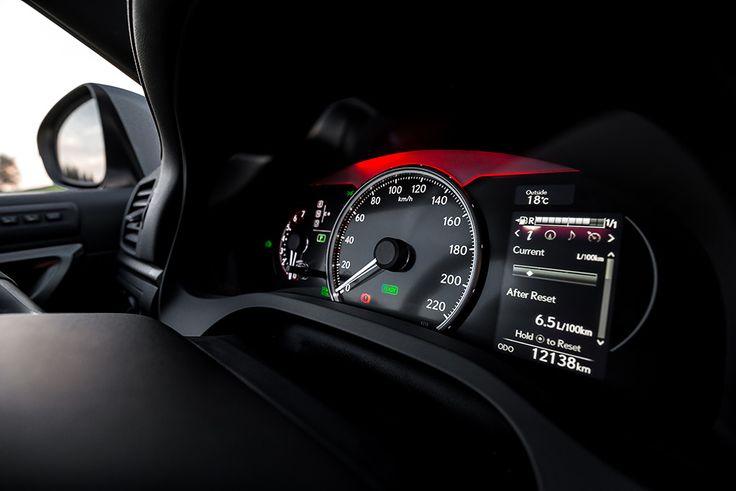 Lexus CT200h instruments in the sport mode   see more pics: http://premiummoto.pl/01/28/lexus-ct200h-f-sport-nasza-sesja #lexus #hybrid #dials #ct200h
