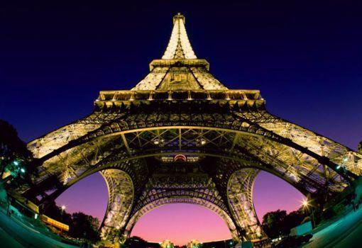 Una vista diferente de la torre Eiffel.