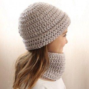 Parure snood bonnet enfant au crochet www.ateliernat.com sur commande Catalogue et sur mesure