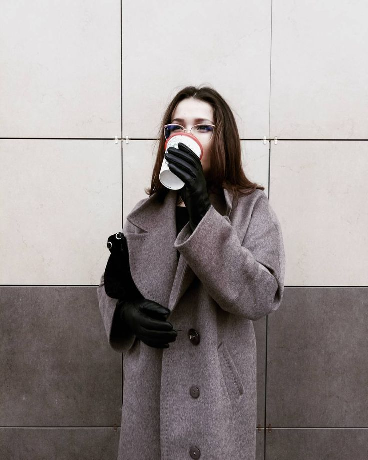 Вам знакомо чувство обнуления? Когда мир будто бы забирает у тебя всё? Когда тебе больше некуда спешить у тебя больше нет невероятных целей и устремлений а только пустой и добрый взгляд в никуда.  Виталий Акимов  #vsco #vscocam #vscorussia #vscominimal #minimalism #minimal #monochrome #unlimitedminimal #minimalismlife #simple  #минималист #минимализм #color #loves_minimalism #learnminimalism #onecolor #white #black #цитаты #философия #girl #photography #photosession #style #fashion…