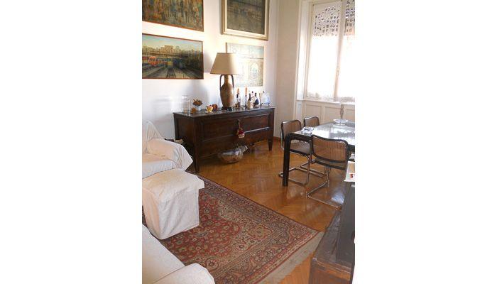 #BuenosAires - Viale Tunisia. Proponiamo in vendita un appartamento sobrio e al contempo reso particolarmente caloroso e accogliente dalle belle finiture dell'epoca.  http://www.rossomattone.eu/Milano_Buenos_Aires_Milano_Vendita_Trilocale_Viale_Tunisia-h161-m16-s13-p16.html?&conta_lista=6&metodo=DESC&ordina=