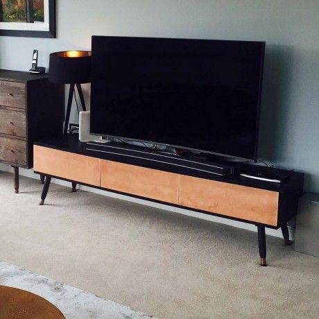 die besten 10 ideen zu tv tisch auf pinterest tv tisch wei tv sehen und james white. Black Bedroom Furniture Sets. Home Design Ideas