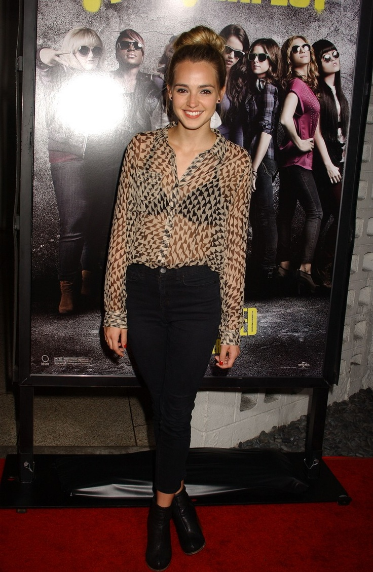 Katelyn Tarver - Pitch Perfect Premiere