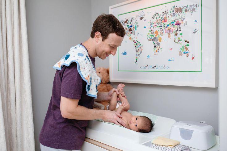 Mark Zuckerberg publica foto trocando a fralda da pequena Max