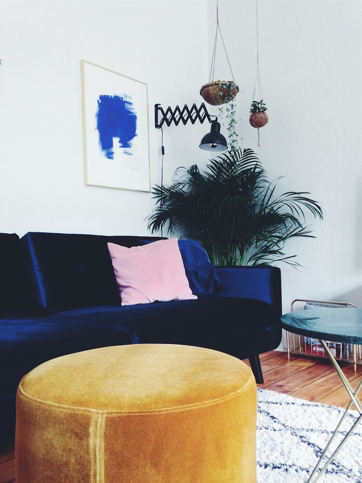 @ditteblog   #danishdesign #furniture #scandinaviandesign #interiordesign #furnituredesign #nordicinspiration #retrostyle #blue #Sofa #Pouf #Velours #Samt