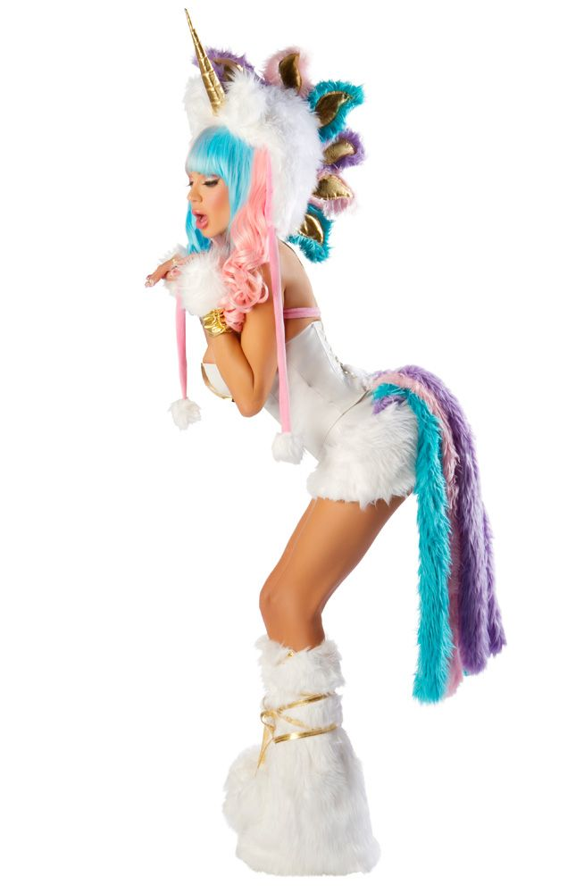 Psst! People say that unicorns don't exist but we've got proof otherwise! Whether it's a fantasy themed fancy dress party or you're rounding up the girls for an un-believe-able night out, the Unicorn Horn 3D FX Transfer is a magical addition to any outfit.