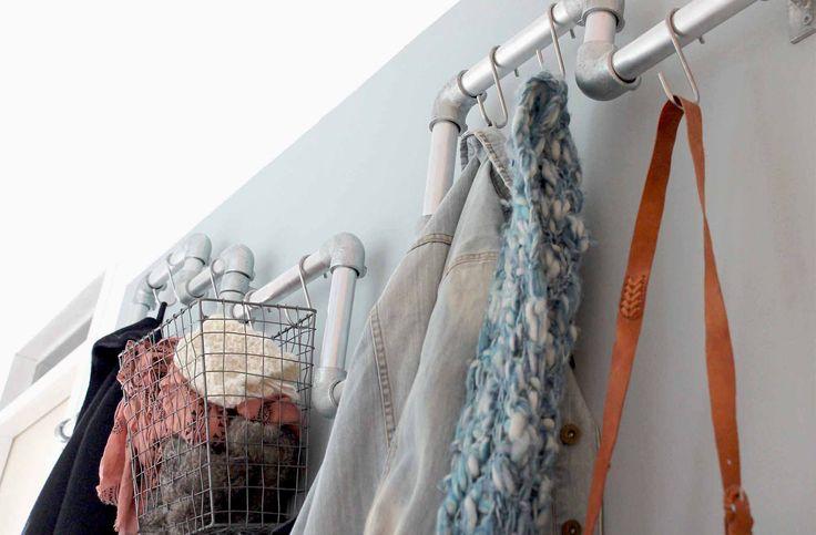 Garderobe in smalle hal