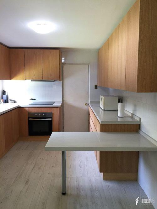 Muebles de cocina en MDF enchapados, cubierta en Silestone White ...