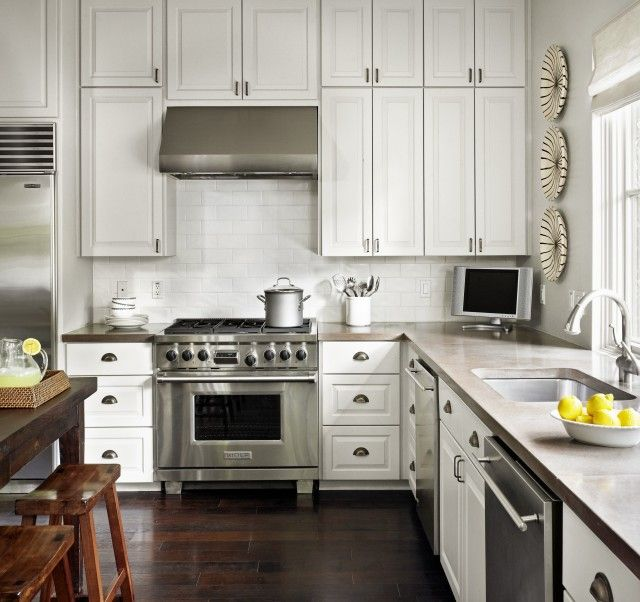 Kitchen Floor Tiles For White Cabinets: White Kitchen Cabinets, Glossy White Beveled Subway Tiles