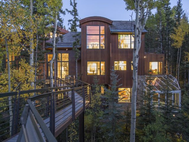 Get an inside look at Oprah Winfrey's $14 million Telluride home from the The Denver Channel. http://www.thedenverchannel.com/news/local-news/photos-inside-oprahs-14-million-telluride-home