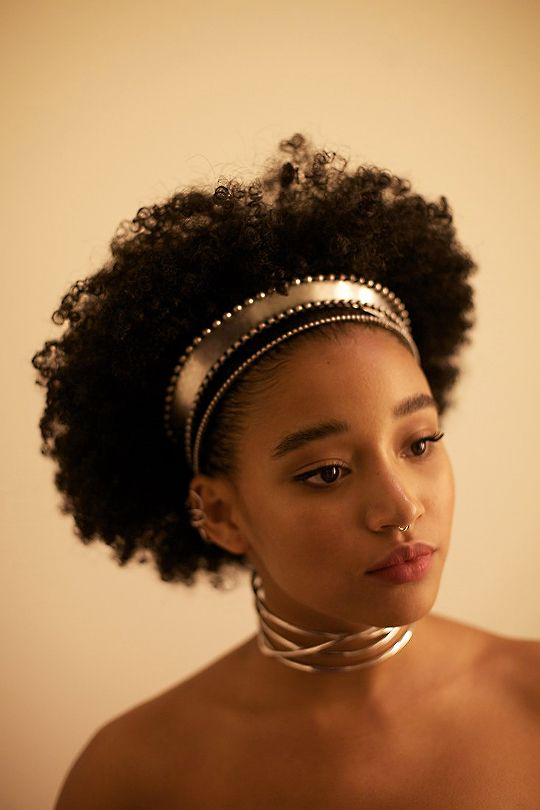 Amandla Stenberg, gorgeous African American actress, afro hair accessories, gold hairband, afrofuturism, afropunk