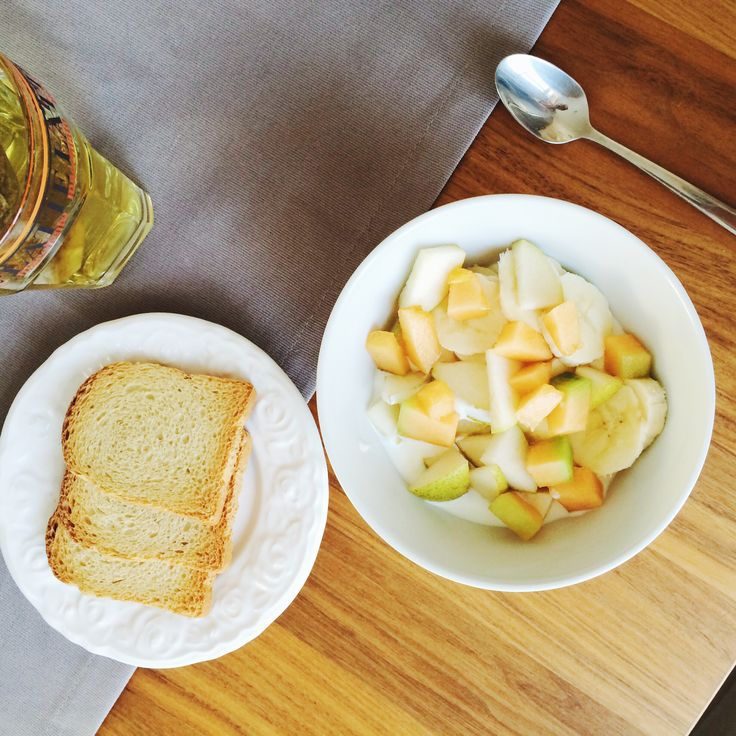 Fruits & Zwieback