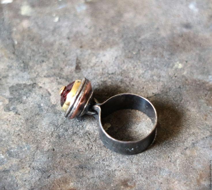 Купить BUTTONS кольцо #2 размер 17.5 (шпинель, серебро, золото, медь)