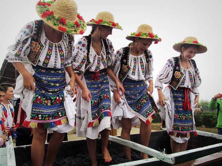 #AutumnTradition in Romania: In some parts of Romania the rituals of making wine by girls dressed in folk costumes who walk over grapes with their feet are still preserved.