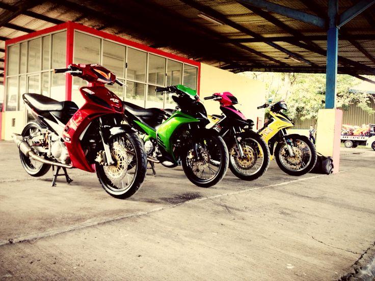 Gerry Motor... #yamaha #lc135 #racingbike