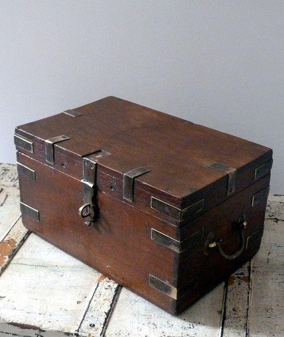 Vintage wooden work storage box for Vintage wooden storage boxes