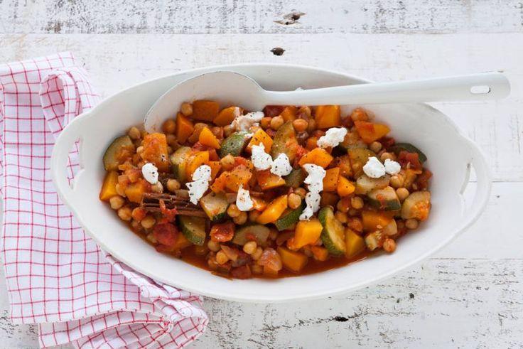 Komijn, cayennepeper en kaneel geven deze stoofschotel met pompoen een Noord-Afrikaanse smaak - Recept - Allerhande