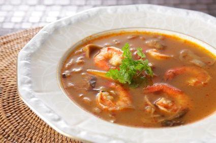 Se dice que un buen caldo de camarón es un remedio efectivo para combatir la resaca después de una noche de fiestas. Pruébalo por ti mismo!