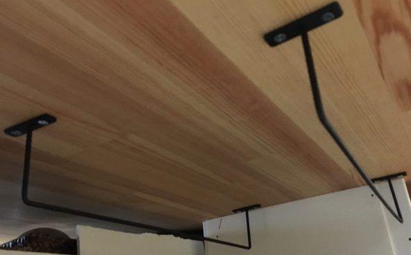 100均diy Seria セリア のアイアンバーのサイズ 長さと活用法 ペーパーホルダー 物干し 調理器具掛け オーブン皿や歯ブラシの収納にも 雪見日和 歯ブラシの収納 セリア アイアンバー 収納 アイデア