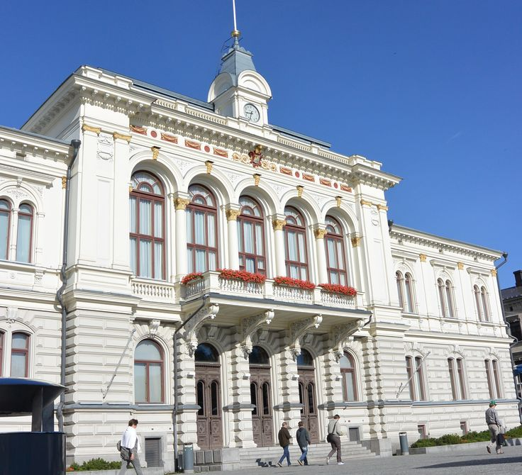 """Tampere City Hall is a neo-renaissance building situated at the edge of the Tampere Central Square. The current city hall was built in 1890 and was designed by Georg Schreck. The palatial building has many halls and the city of Tampere holds many events there. During the Great Strike in 1905, the so-called """"Red Manifest"""" was read from the balcony of the Tampere City Hall."""