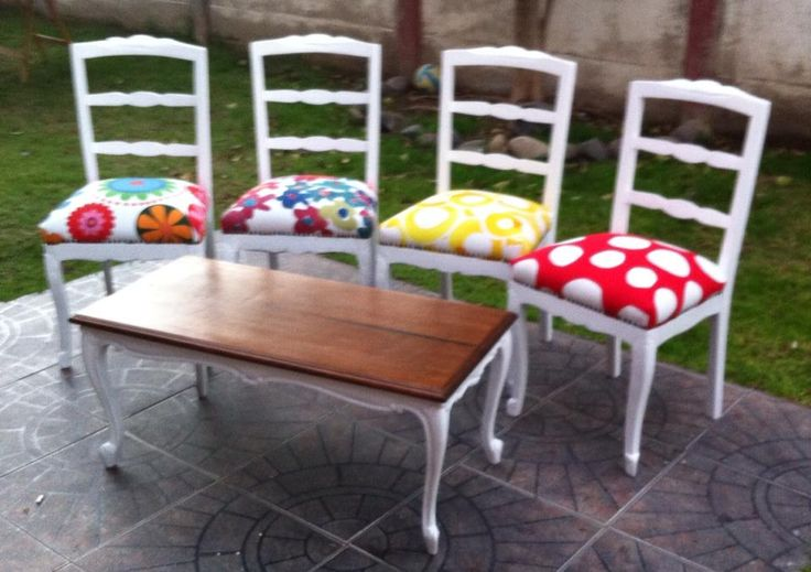 sillas y mesa rosi