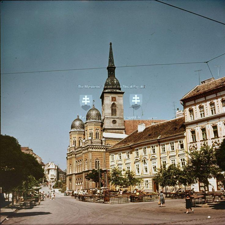 Rybne_namestie_1960_staraba_archiv_pamiatkoveho_uradu.jpg
