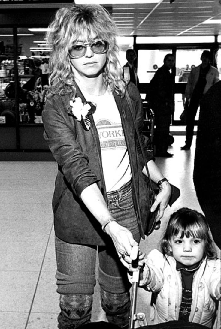 Goldie Hawn and her daughter Kate Hudson, circa 1982.  Hawn was in the midst of an acrimonious divorce with musician Bill Hudson (father to Kate and Oliver) during this time.