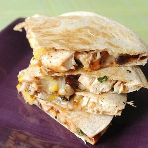 Guatemalan Grilled Pineapple and Chicken Quesadillas.  If you like Guatemalan cooking visit our recipes or  or  why not visit a COOKING SCHOOL on your next trip to  Guatemala,  Find out more at: http://www.allaboutcuisines.com/cooking-school-classes/guatemala/in/guatemala #Guatemalan Recipes #Cooking Classes Guatemala #Quesadillas