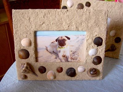 CRAFT / DIY:  Very easy sand and seashell picture frame.