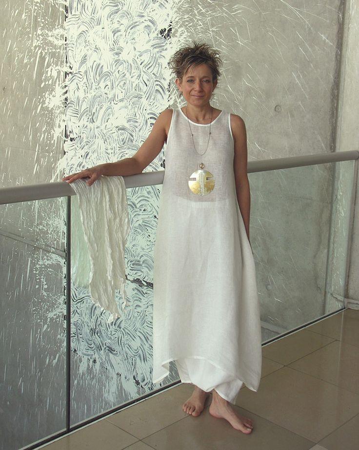ENSEMBLE BLANC en lin pour femme: robe tunique en voile et sarouel-:- AMALTHEE CREATIONS-:- n° 3144