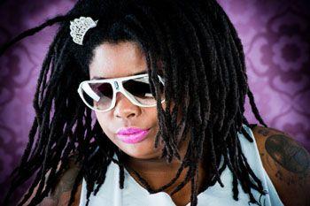 No domingo, 13, das 16h às 21h, a cantora Lei Di Dai se apresenta no Estação Catraca, evento promovido pelo Catraca Livre em parceria com o Centro Cultural Rio Verde. Nesta edição, a festa faz uma homenagem à cultura jamaicana.