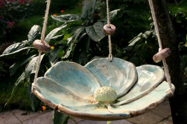 Vogeltränken - Keramik Vogeltränke, Insektentränke, blaue Blüte - ein Designerstück von Atelier-MJ-Arts bei DaWanda